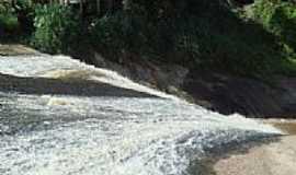 Montanha - Montanha-ES-Cachoeira do Córrego Montanha-Foto:markupolo