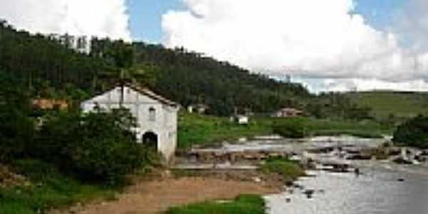 Casa Barão de Aymorés e Cachoeira do Cravo-Foto:eliveltonsa