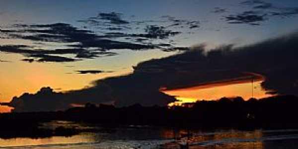 Anori-AM-Pôr do Sol no Lago Anori-Foto:Cezar Mario Rech