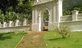 Sagrada Família - Entrada do Cemitério-Foto:Paraisosantos