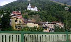 Santa Leopoldina - Santa Leopoldina-ES-Igreja Matriz no alto do morro-Foto:Paulo Filho