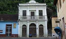 Santa Leopoldina - Santa Leopoldina-ES-Sobrado antigo no centro-Foto:Elpídio Justino de Andrade