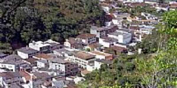 Santa Teresa serpenteando o Vale do Timbuí-Foto:Belquior