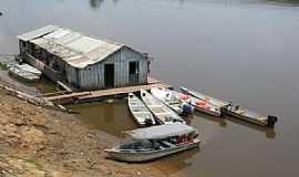 Autazes - Autazes-AM-Casa flutuante e barcos de pesca-Foto:Ricardo Hossoe