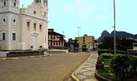 Serra - Praça e Igreja em Serra-Foto:Francisco H. Moro