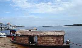 Barcelos - Barcelos-AM-Embarcação típica da região-Foto:Guilherme Quadros