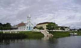 Barcelos - Barcelos-AM-Igreja de N.Sra.da Conceição na orla do Rio Negro-Foto:Lucas Leuzinger