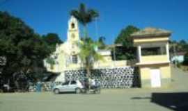Vila Verde - Centro, com a igreja católica local, Por Vera Helena de Oliveira