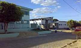 Vinhático - Escola Pe.Manoel da Nóbrega e Hospital de Vinhático-Foto:Marclis