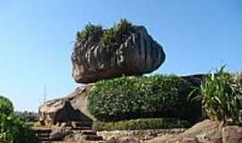 Vitória - Pedra da Cebola em Vitória-Foto:Massad