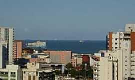 Vitória - Vista parcial da cidade com o mar ao fundo em Vitória-ES-Foto:Silvyp