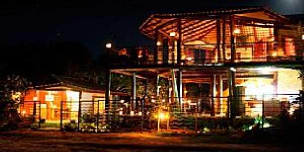 Alto Paraiso de Goiás-GO-Vista noturna do centro da Vila de São Jorge-Foto:viladesaojorge.com