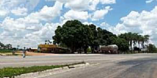 Trevo de Aragoiânia -  por Arolldo Costa Oliveira