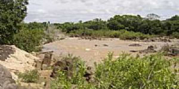 Rio Caiapó em Arenópolis, por Lincoln_Sousa.
