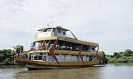 Aruanã - Aruanã-GO-Barco no Rio Araguaia-Foto:iverson_m