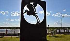 Aruanã - Aruanã-GO-Monumento Símbolo do Araguaia-Foto:Arolldo Costa Olivei…