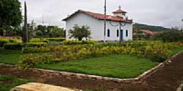 Praça e Igreja-Foto:Davy Cunha