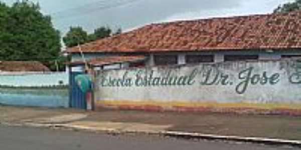 Baliza-GO-Escola Estadual Dr.José Feliciano Ferreira-Foto:rodsrv