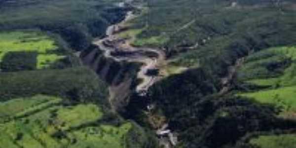 VISTA AÉREA DO CANAL DE UMA  DAS 3 USINAS HIDRELETRICAS DO MUNICIPIO DE BURITINÓPOLIS-GO 6, Por LUCIAN HERLAN PEREIRA DE SOUSA