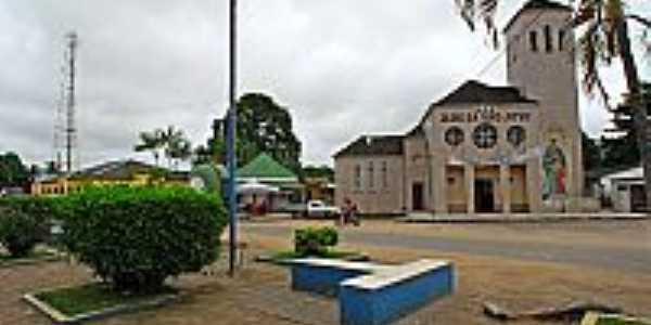 Tarauacá-AC-Praça e Igreja de São José-Foto:Jezaflu Jesus