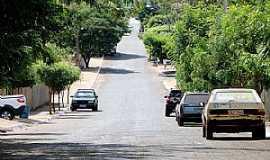Caçu - Rua Paula e Silva, Setor Arco-Íris, Caçu-GO.