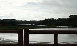 Caçu - Caçu-GO-Ponte sobre o Rio Claro-Foto:Ricardo Mercadante