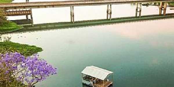 Ponte sobre o Rio Claro na GO-206, perímetro urbano de Caçu-GO