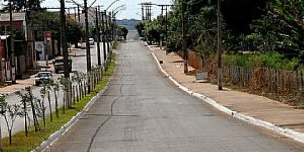 Avenida Ildefonso Carneiro, Setor Arco-Íris, Caçu-GO.