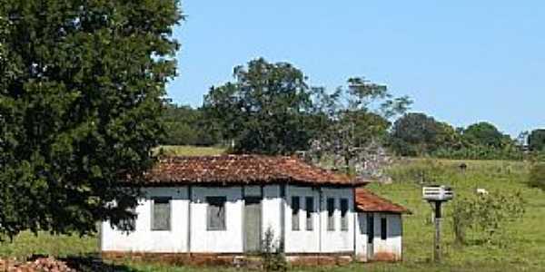 Caçu-GO-Casa em área rural-Foto:Altemiro Olinto Cristo