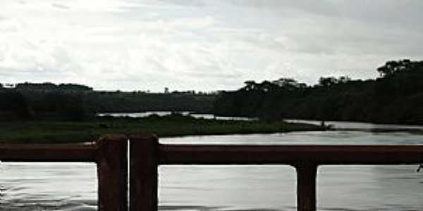 Caçu-GO-Ponte sobre o Rio Claro-Foto:Ricardo Mercadante