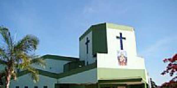 Igreja do Sagrado Coração de Jesus em Caçu -GO-Foto:Vicente A. Queiroz
