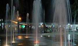 Caldas Novas - Fonte na praça Mestre Orlando em Caldas Novas-GO-Foto:eliaspinheiro