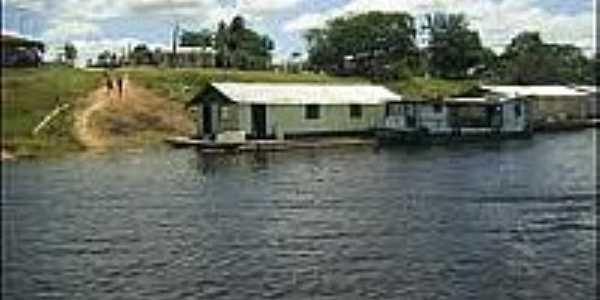 Casas flutuantes em Caapiranga-AM-Foto:viagensenegocios.