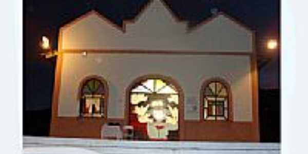 Igreja do Divino em Campos Belos, por Dimas Justo.