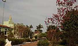 Carmo do Rio Verde - Praça ao lado da Igreja em Carmo do Rio Verde-Foto:wender marques