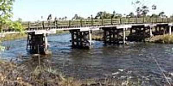 Ponte sobre o Rio Formoso-Foto:Rafael José Rorato
