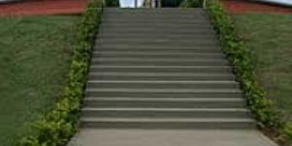 Escadaria do Jardim da Imaculada em Cidade Ocidental-Foto:RITA DE CASSIA CARVA…