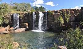 Cristalina - Cristalina-GO-Cachoeira do Arrojado-Foto:João Carlos Machado
