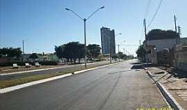 Cristalina - Cristalina-GO-Praça da Liberdade-Foto:collemes