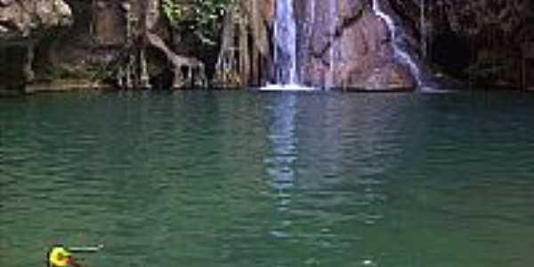 Damianópolis-GO-Cachoeira Poço Azul-Foto:damianopolistur.xpg.uol.