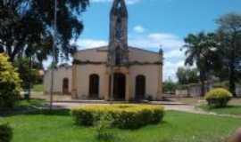 Divinópolis de Goiás - Igreja Católica em Divinópolis de Goiás-Foto: SAYARA E FELIPE