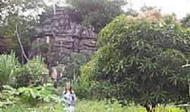 Divin�polis de Goi�s - Morro de pedra por aridantas