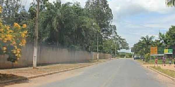 Divinópolis de Goiás-GO-Rodovia-Foto:Dimas Justo