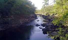 Doverlândia - Rio do Peixe (abaixo da cachoeira do Alvino) em Doverlândia-GO - por pauloprl