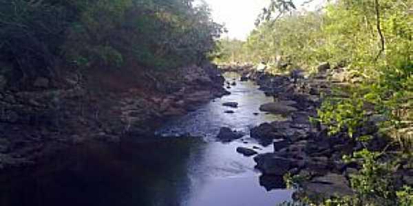 Rio do Peixe (abaixo da cachoeira do Alvino) em Doverlândia-GO - por pauloprl