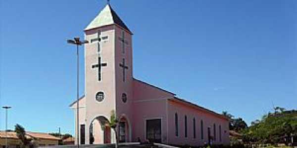 Igreja Matriz do Senhor Bom Jesus em Doverlândia-GO - Por pauloprl