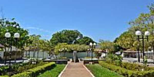 Faina-GO-Praça da Fonte-Foto:Arolldo Costa Olivei…
