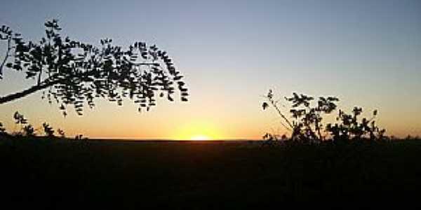 Formosa-GO-Pôr do Sol no cerrado-Foto:Josue Marinho