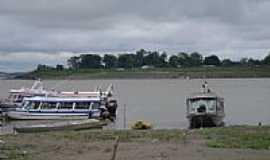 Careiro da Várzea - Barcos no Rio Solimões em Careiro da Várzea-Foto:Ana F. S. Galvão