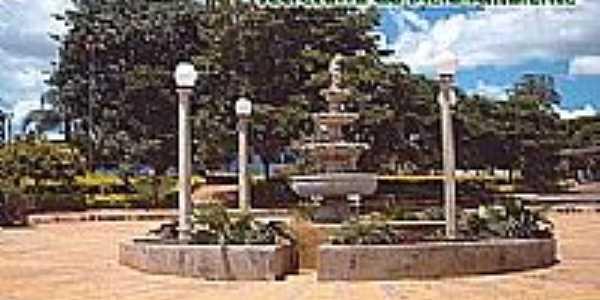Praça em Goianápolis, por Tino Moreno.